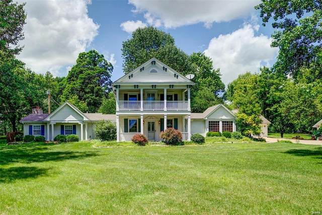 17627 Wild Horse Creek Road, Chesterfield, MO 63005 (#20041855) :: Parson Realty Group
