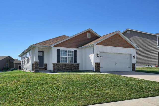 2530 London Lane, Belleville, IL 62221 (#20049967) :: The Becky O'Neill Power Home Selling Team