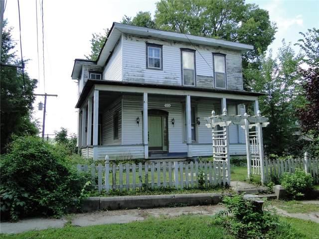 1213 Bird Street, Hannibal, MO 63401 (#20054467) :: The Becky O'Neill Power Home Selling Team
