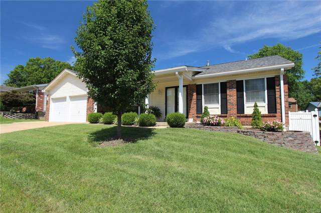 2347 Whitshire Drive, St Louis, MO 63129 (#20056323) :: The Becky O'Neill Power Home Selling Team