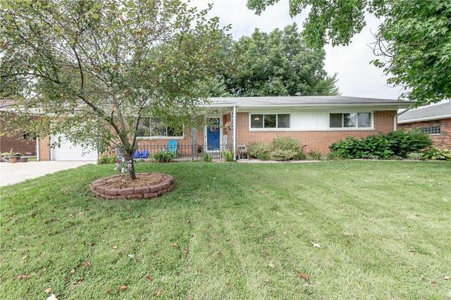 1031 Montgomery Street, CARLYLE, IL 62231 (#20056938) :: The Becky O'Neill Power Home Selling Team
