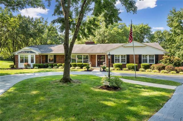 12938 S Topping Estates Drive, St Louis, MO 63131 (#20060585) :: Kelly Hager Group | TdD Premier Real Estate