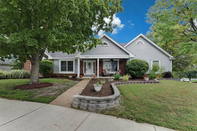 370 Greentrails, Chesterfield, MO 63017 (#20065496) :: Kelly Hager Group | TdD Premier Real Estate