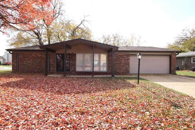 304 Toulon, Fairview Heights, IL 62208 (#20078436) :: Parson Realty Group