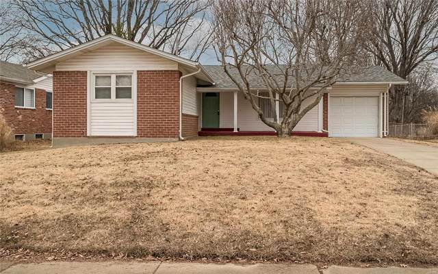 2115 Somerset Drive, Florissant, MO 63033 (#21001157) :: The Becky O'Neill Power Home Selling Team