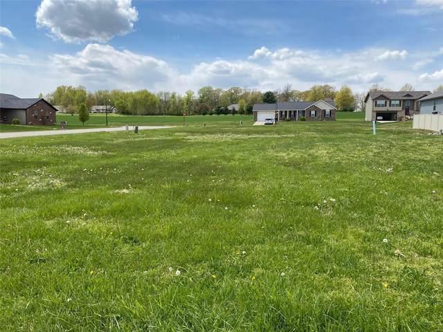 5 S Harvest Crest Court, Highland, IL 62249 (#21005191) :: Hartmann Realtors Inc.