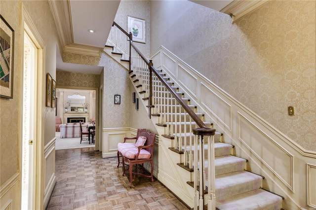 12 Chatfield Place Road, Creve Coeur, MO 63141 (#21005218) :: St. Louis Finest Homes Realty Group