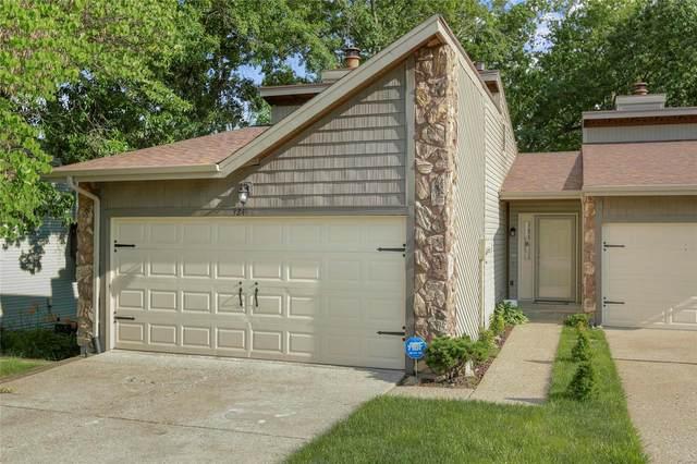 324 Villa Drive, Lake St Louis, MO 63367 (#21015410) :: Parson Realty Group