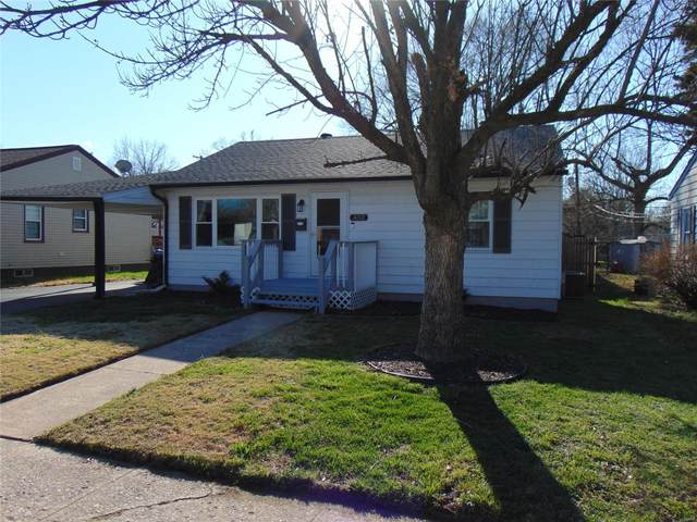 332 S 13th Street, Wood River, IL 62095 (#21017131) :: Tarrant & Harman Real Estate and Auction Co.