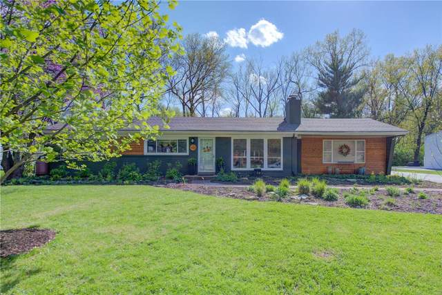 431 Wenneker Drive, Ladue, MO 63124 (#21024251) :: Kelly Hager Group | TdD Premier Real Estate