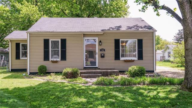 702 Victory Drive, Collinsville, IL 62234 (#21028837) :: Tarrant & Harman Real Estate and Auction Co.