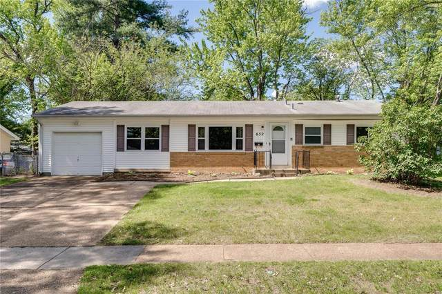 652 Village Square, Hazelwood, MO 63042 (#21028986) :: Terry Gannon | Re/Max Results