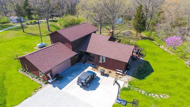 17710 Vfw Rd, STAUNTON, IL 62088 (#21030453) :: Tarrant & Harman Real Estate and Auction Co.