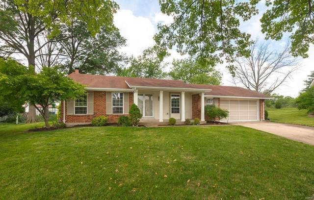340 Saddle Back Drive, St Louis, MO 63129 (#21035101) :: Parson Realty Group