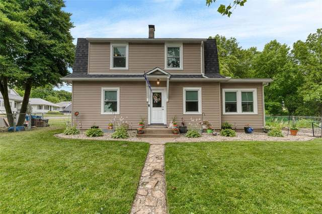 9122 Delphine Avenue, St Louis, MO 63114 (#21037650) :: The Becky O'Neill Power Home Selling Team