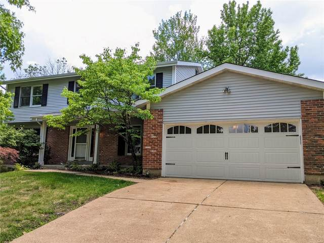 14918 Greenberry Hill Court, Chesterfield, MO 63017 (#21039698) :: Clarity Street Realty