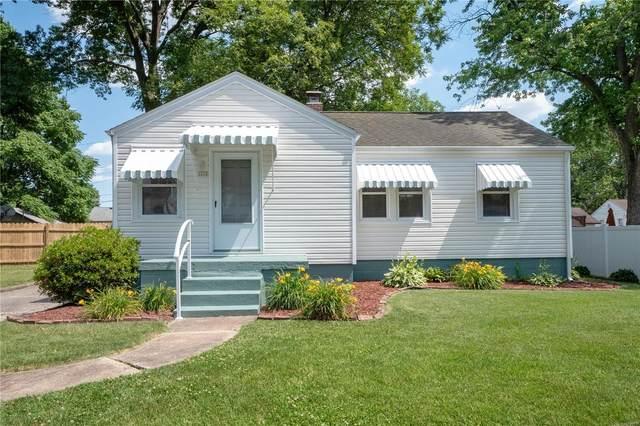 1610 E D Street, Belleville, IL 62221 (#21041047) :: Parson Realty Group