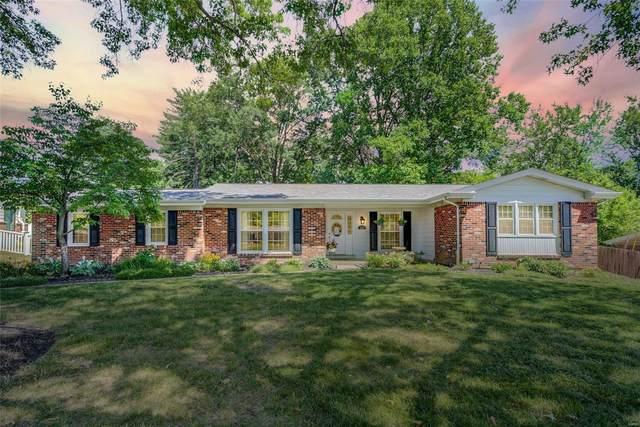 336 Country Club Drive, Ballwin, MO 63011 (#21041824) :: Jenna Davis Homes LLC