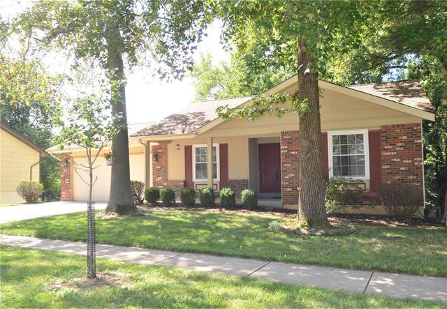 12228 Spring Place Court, Maryland Heights, MO 63043 (#21058216) :: St. Louis Finest Homes Realty Group