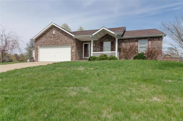 93 Stonebrook Drive, Highland, IL 62249 (#19024946) :: Kelly Hager Group | TdD Premier Real Estate