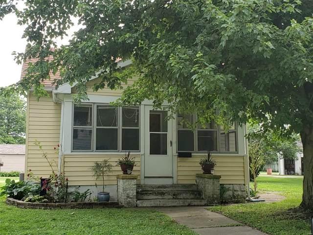224 N Pine Street, NOKOMIS, IL 62075 (#20007248) :: Parson Realty Group