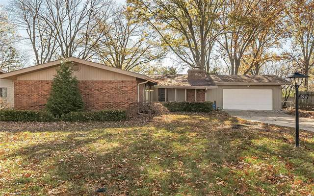 12532 Fee Fee Road, St Louis, MO 63146 (#20080609) :: Parson Realty Group