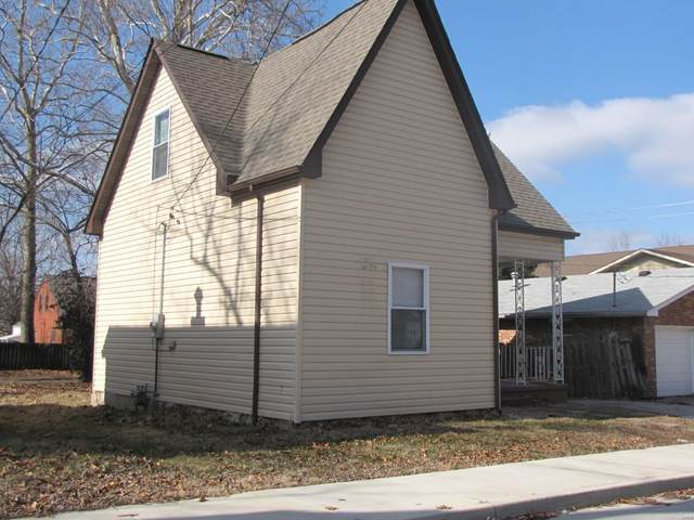 323 N 8th Street, Belleville, IL 62220 (#20089893) :: Clarity Street Realty