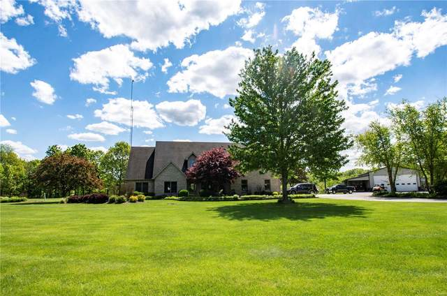 15380 Stagecoach Road, CARLINVILLE, IL 62626 (#21027136) :: Tarrant & Harman Real Estate and Auction Co.