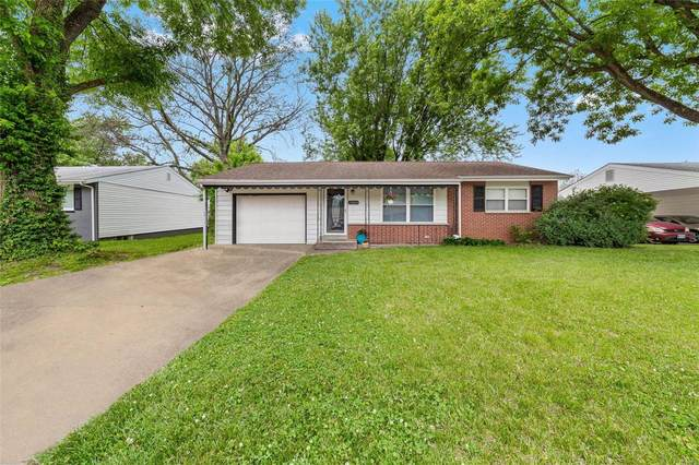11064 Alan Shepard Drive, Maryland Heights, MO 63043 (#21034644) :: Parson Realty Group