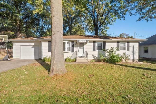 204 N 8th Street, New Baden, IL 62265 (#21074935) :: The Becky O'Neill Power Home Selling Team