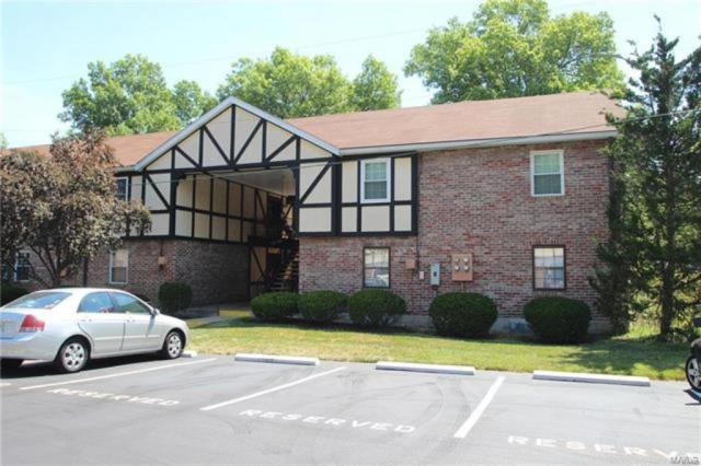 1032 Pinegate, St Louis, MO 63122 (#17077350) :: Clarity Street Realty