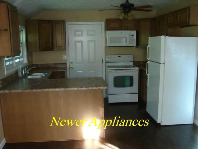 210 W Oak Street, GILLESPIE, IL 62033 (#19056643) :: Kelly Hager Group | TdD Premier Real Estate