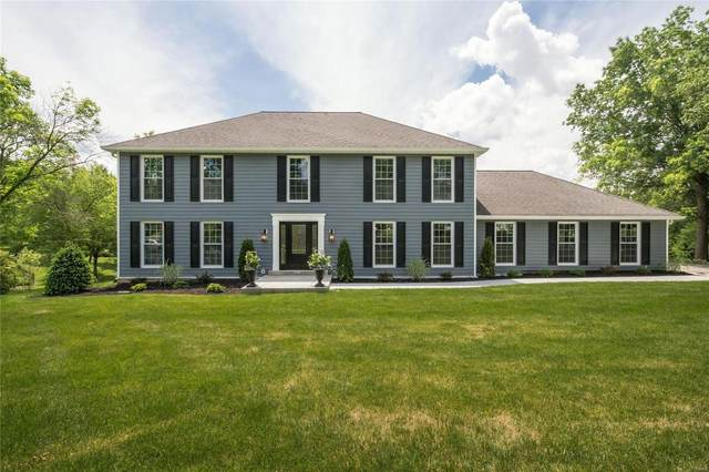 13716 Corrington, Town and Country, MO 63017 (#21021839) :: Parson Realty Group