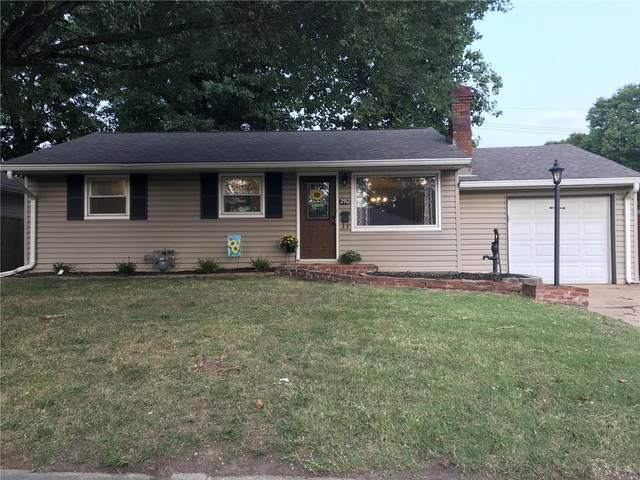 2912 Dogwood, Granite City, IL 62040 (#20066186) :: Kelly Hager Group   TdD Premier Real Estate