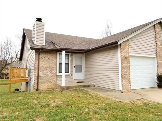 32 Fox Meadow #B Lane, Glen Carbon, IL 62034 (#17096051) :: Clarity Street Realty