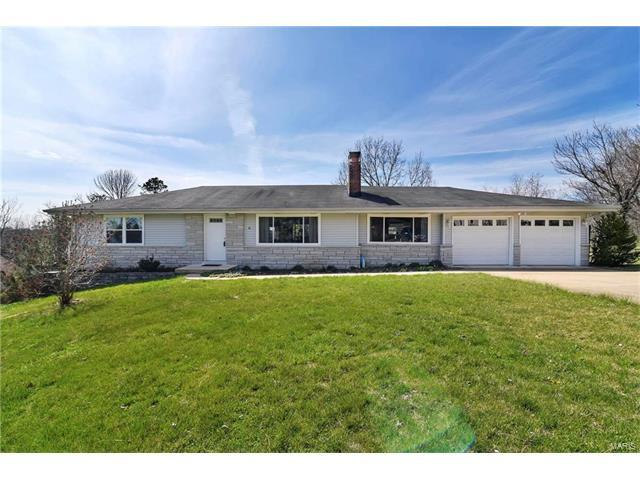 10 Ferndale Drive, Fenton, MO 63026 (#17019943) :: The Becky O'Neill Power Home Selling Team