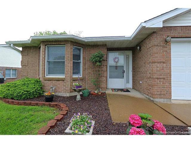 206 Bayberry, Farmington, MO 63640 (#17035884) :: Carrington Real Estate Services