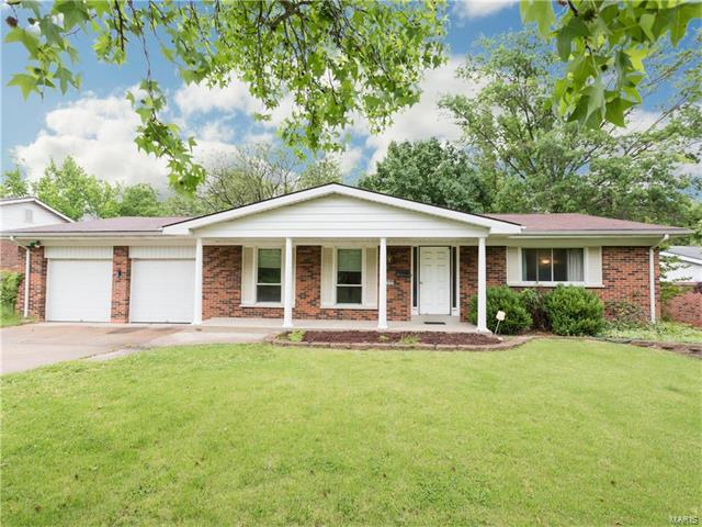 3725 Seville, Florissant, MO 63033 (#17039485) :: Clarity Street Realty