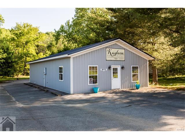 1603 Historic Route 66, Waynesville, MO 65583 (#17041284) :: The Kathy Helbig Group