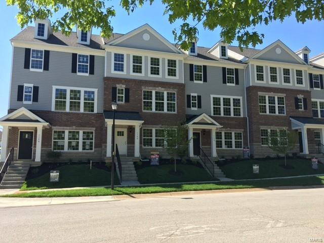 8003 Townes Way, Richmond Heights, MO 63117 (#17042062) :: Clarity Street Realty