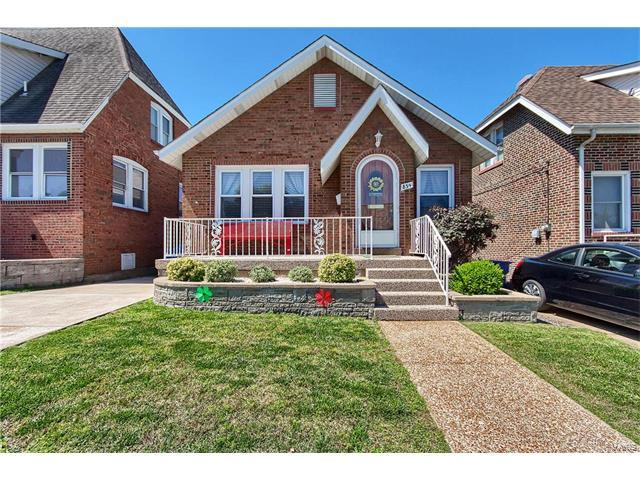 854 Catskill Drive, St Louis, MO 63125 (#17043731) :: The Becky O'Neill Power Home Selling Team