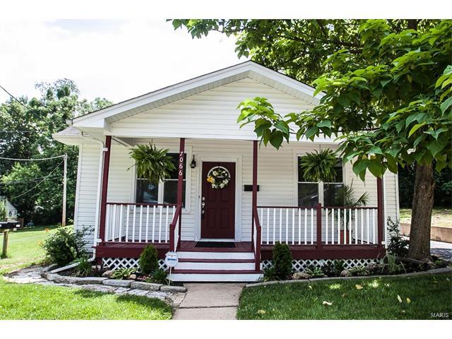 7066 Mitchell Avenue, Richmond Heights, MO 63117 (#17046000) :: Clarity Street Realty