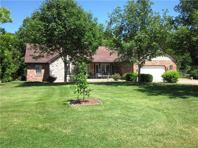 500 Woods Manor Drive, Freeburg, IL 62243 (#17046013) :: Holden Realty Group - RE/MAX Preferred