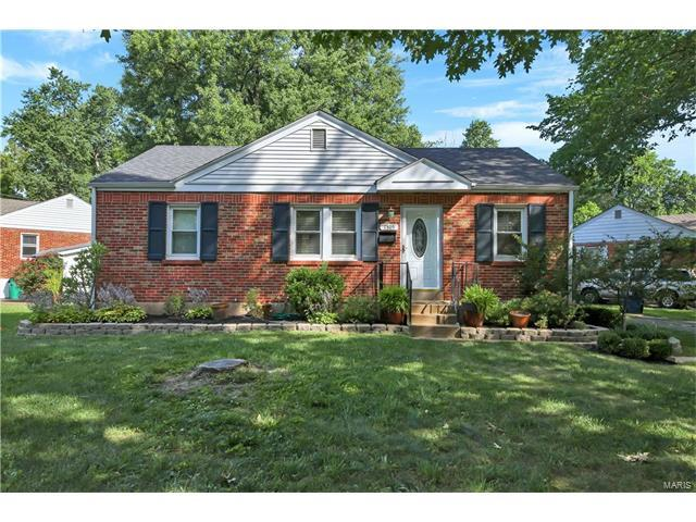 1305 Warson Place, St Louis, MO 63119 (#17047424) :: The Kathy Helbig Group
