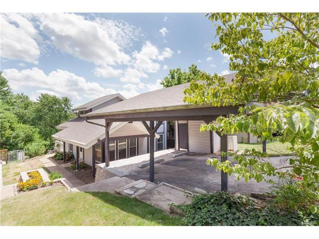 428 Down Hill Drive, Ballwin, MO 63021 (#17048069) :: The Kathy Helbig Group