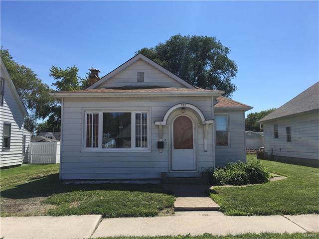 229 Kroeger Avenue, Dupo, IL 62239 (#17048203) :: Fusion Realty, LLC
