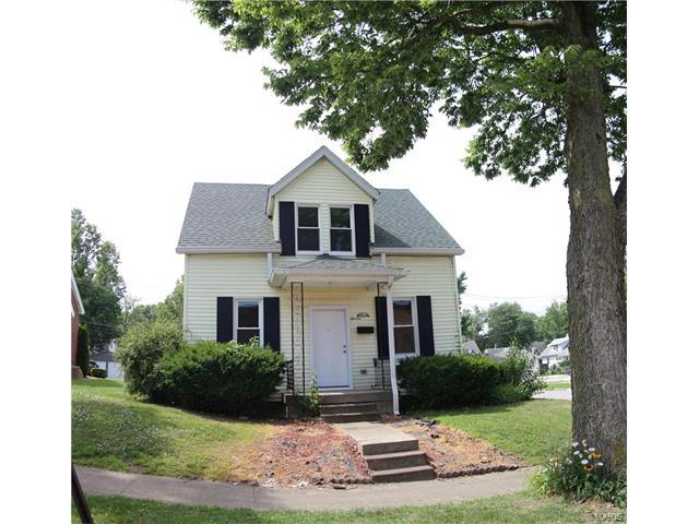 1100 12th, Highland, IL 62249 (#17048659) :: Clarity Street Realty