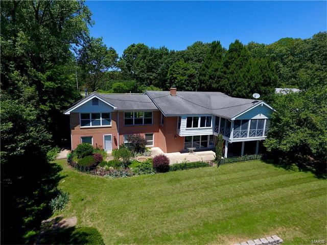 7140 Christopher Drive, St Louis, MO 63129 (#17049315) :: Johnson Realty