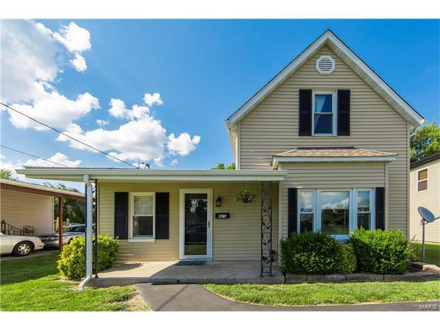 421 Bissell Avenue, Collinsville, IL 62234 (#17049390) :: Holden Realty Group - RE/MAX Preferred