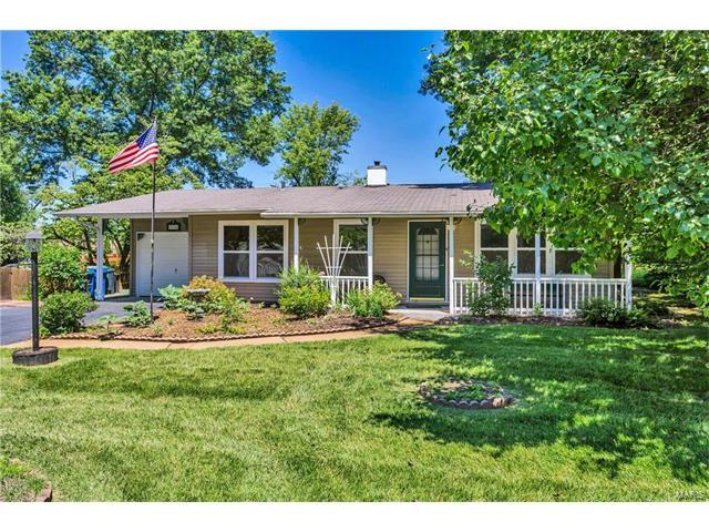 936 Crestland Drive, Ballwin, MO 63011 (#17049745) :: The Becky O'Neill Power Home Selling Team